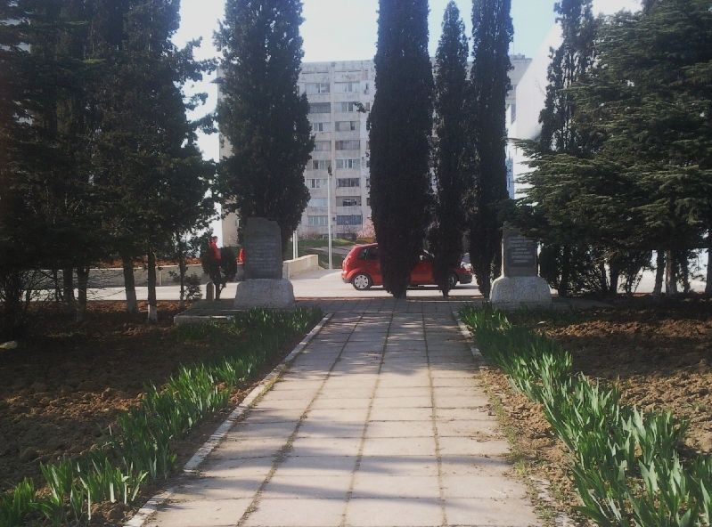 Информация о памятнике: http://pomnite-nas.ru/mshow.php?s_OID=6621